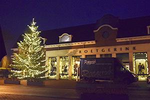 kerstboom bij modehuis Roetgerink in Enter